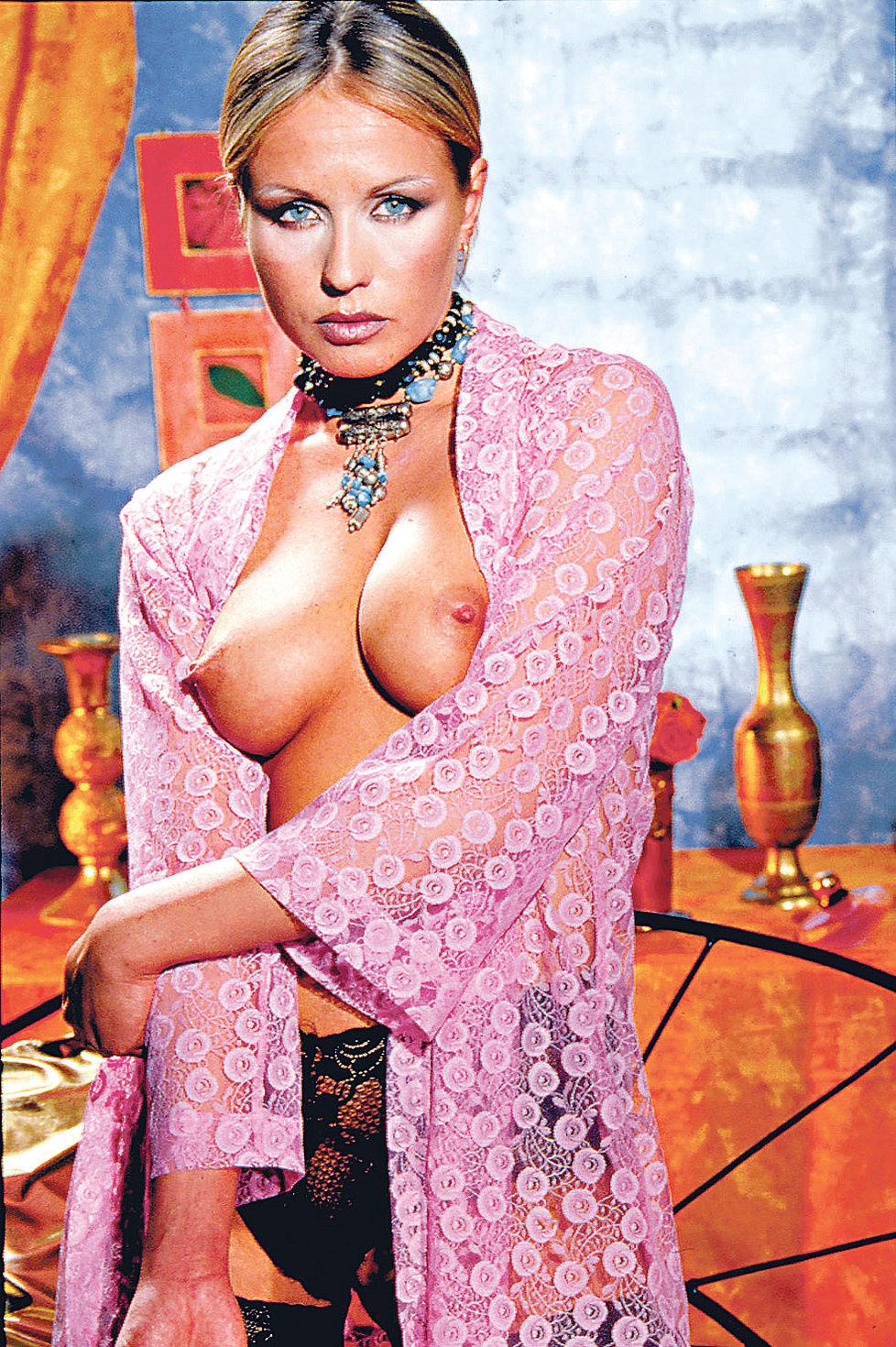 Tereza Pergnerová nafotila erotické snímky roku 2002 pro časopis Leo.