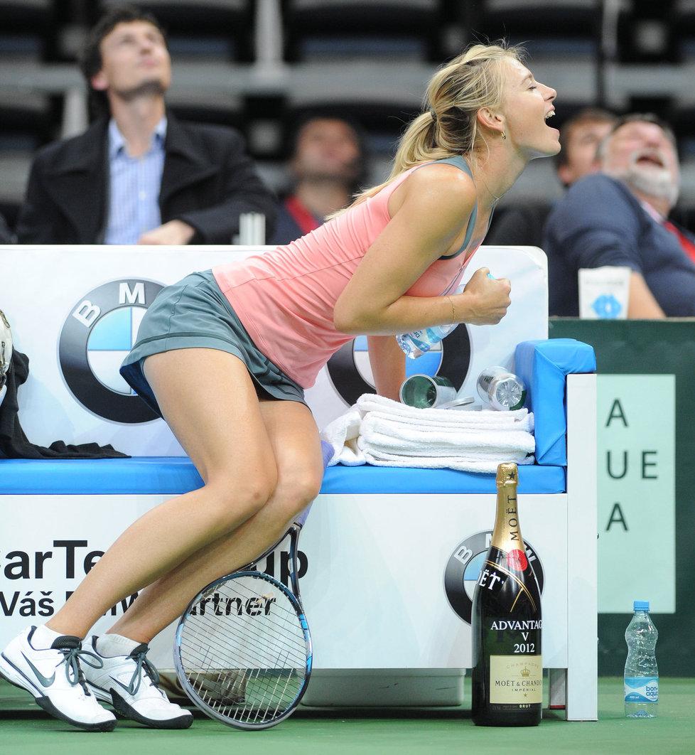 Tenisová šampionka ukázala, že umí diváky pobavit.