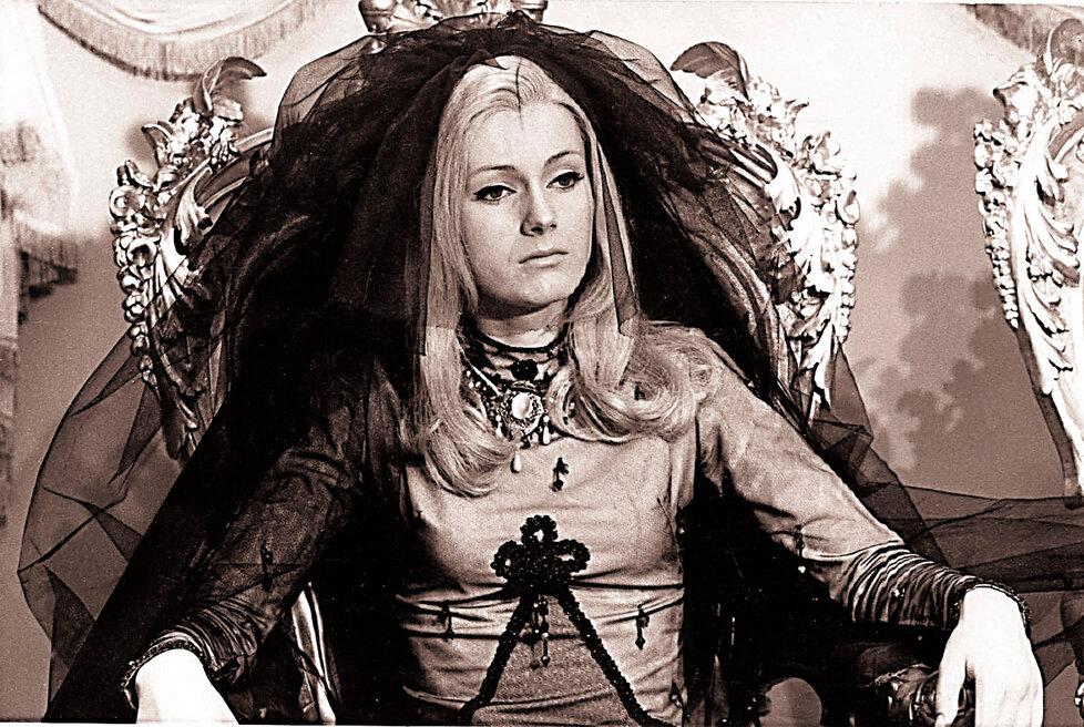 Helena Vondráčková jako Šíleně smutná princezna