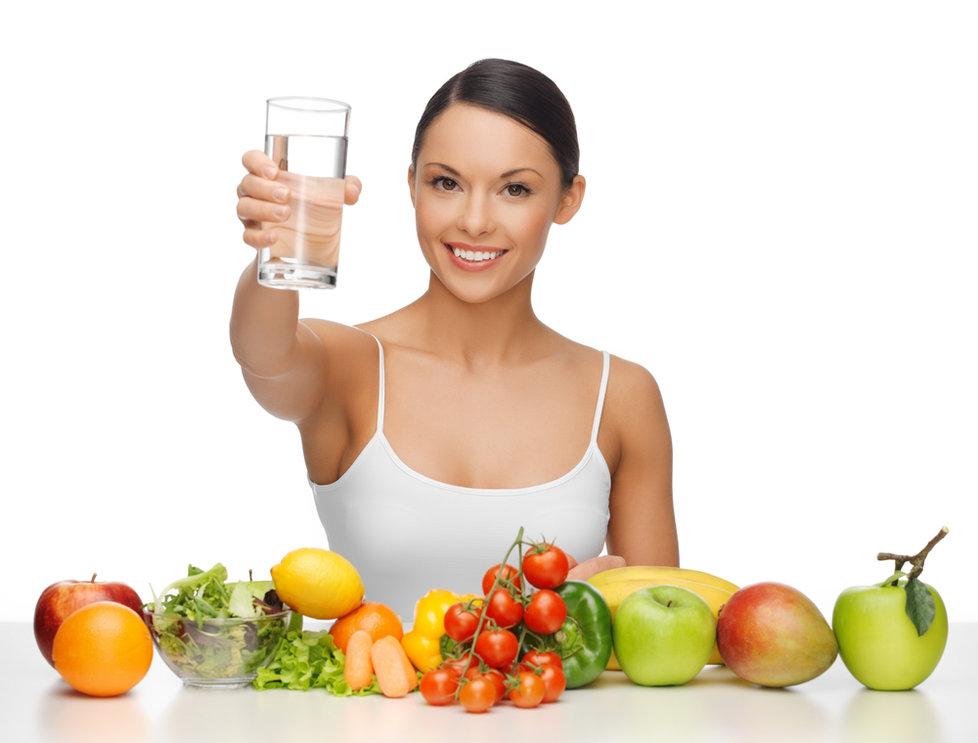 Dostatek vody odplavuje z těla škodliviny.
