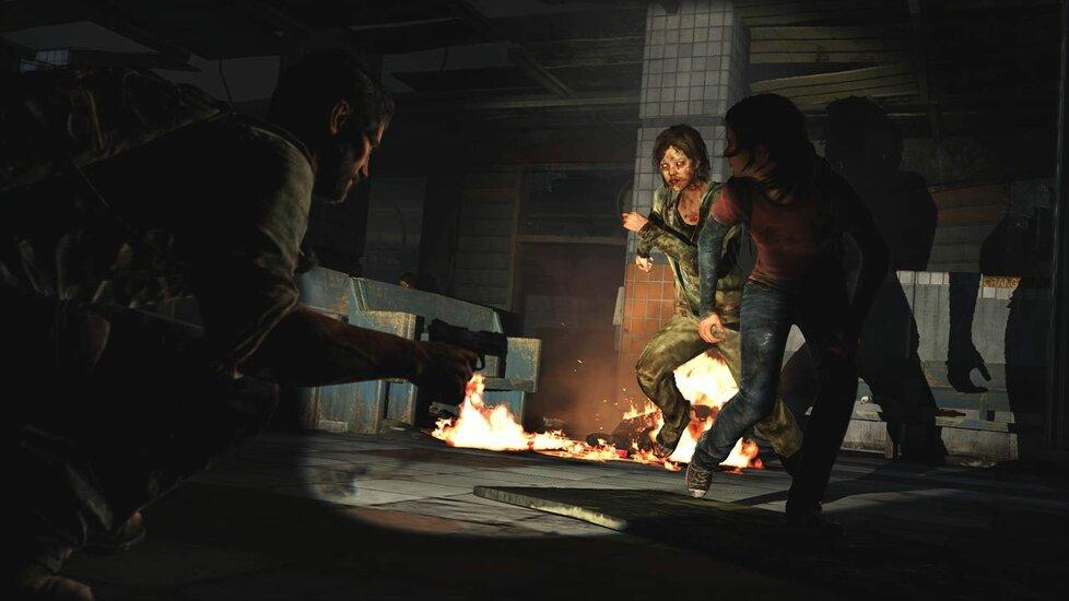 Joel si s Ellie navzájem kryjí záda