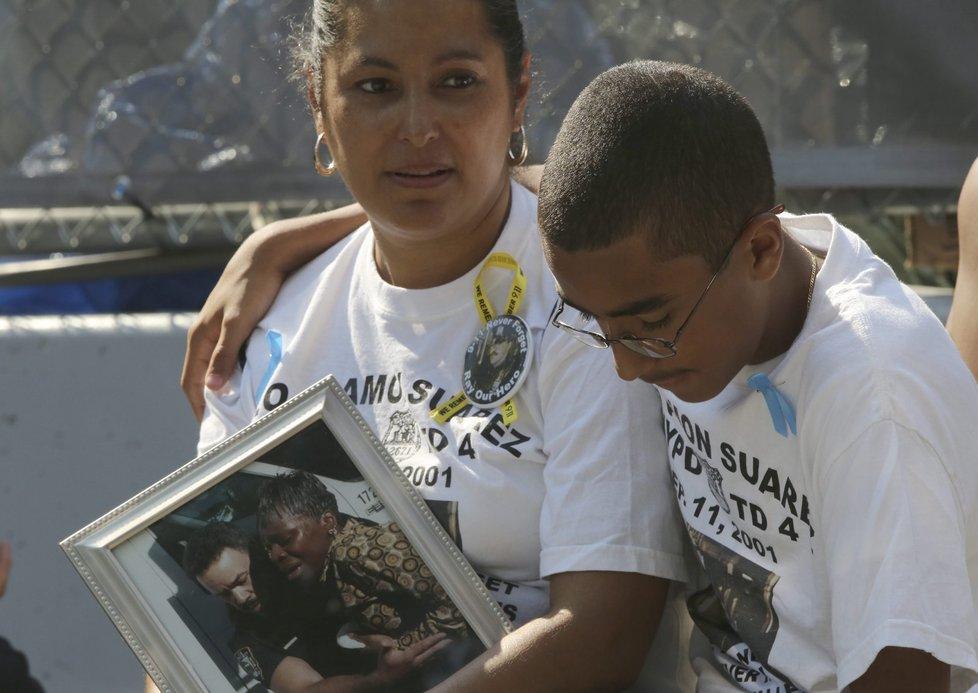 12. výročí teroristického útoku na newyorská dvojčata: Američané smutnili pro tři tisíce obětí