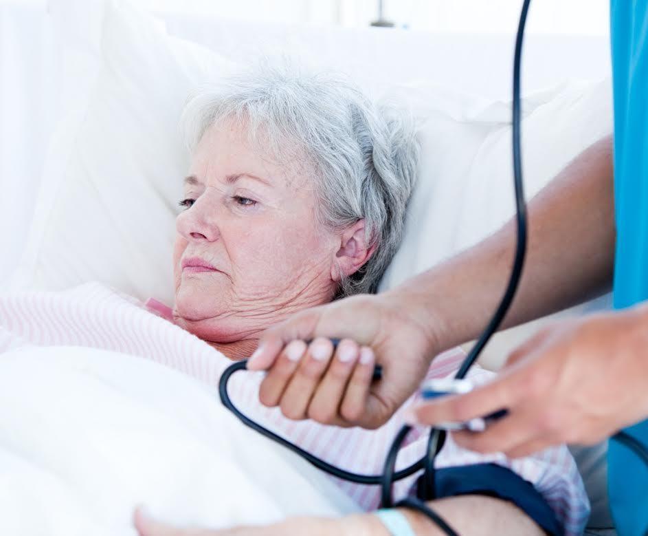 Následky po nakažení encefalitidou jsou vysoké hlavně u starších lidí. Mnohdy trvalé