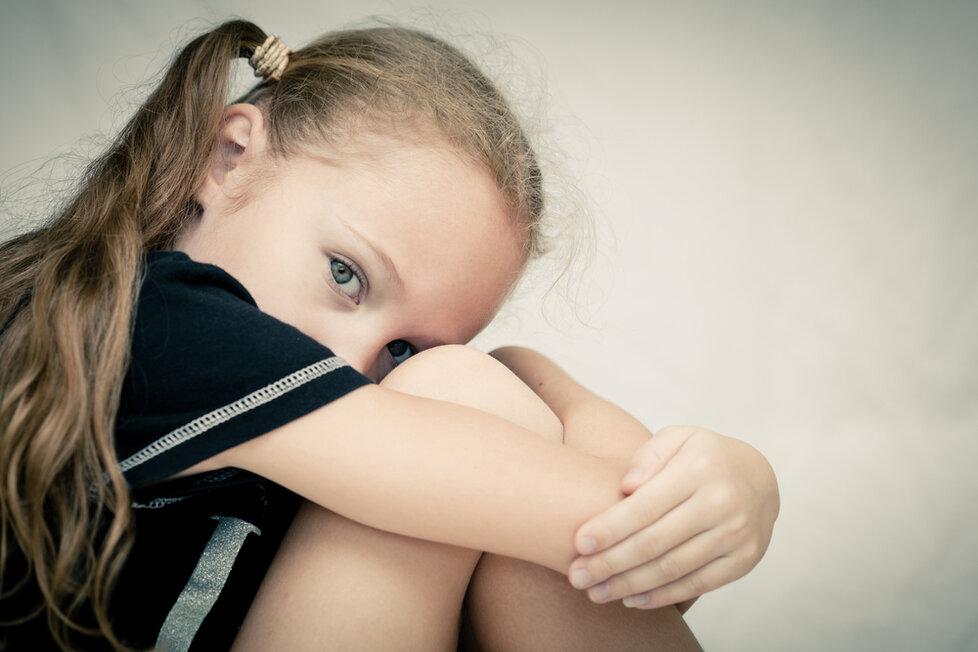 Počet zneužívaných dětí stále roste
