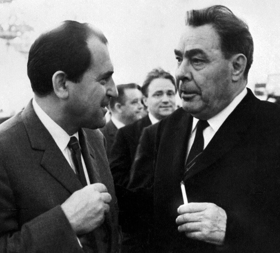 1969: Biľak a Brežněv po invazi v družném hovoru.