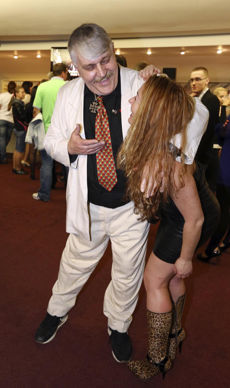Ivan Jonák byl na večírku premiéry Bony a Klid 2 v obležení žen.