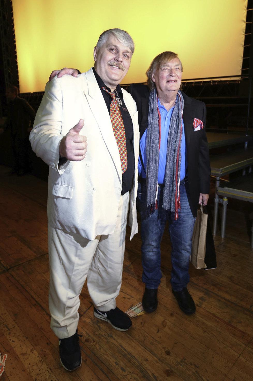 Ivan Jonák si nenechal ujít premiéru filmu Bony a Klid 2, kterou natočil jeho kamarád Vít Olmer.