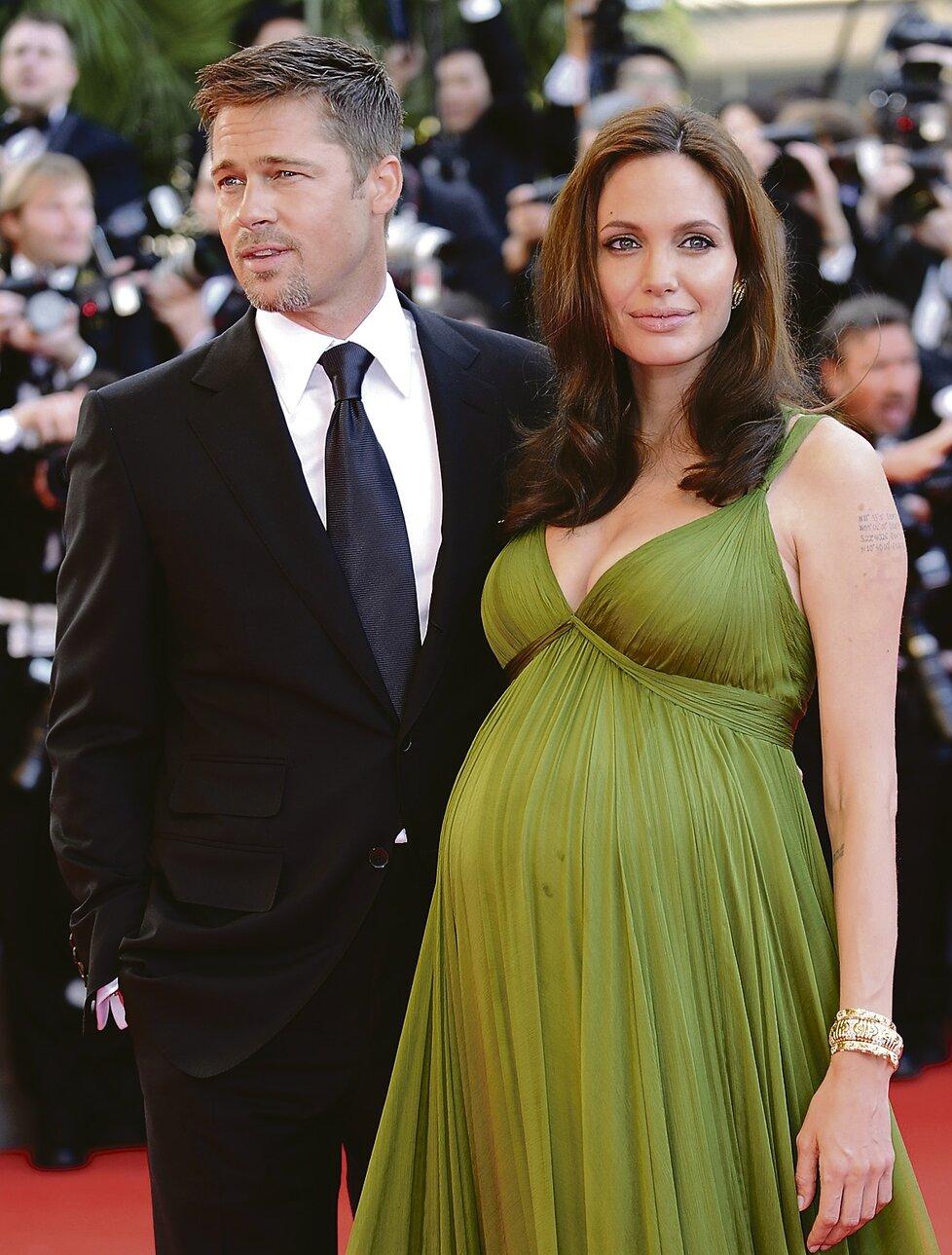 Angelina během těhotenství se Shiloh Nouvel.