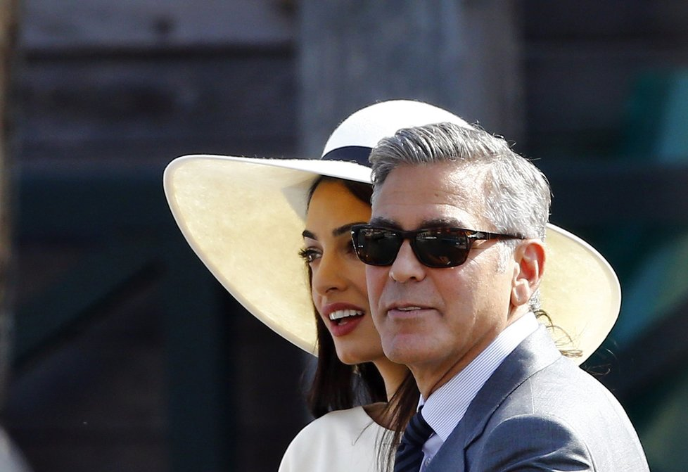 Herec a právnička tvoří krásný pár.
