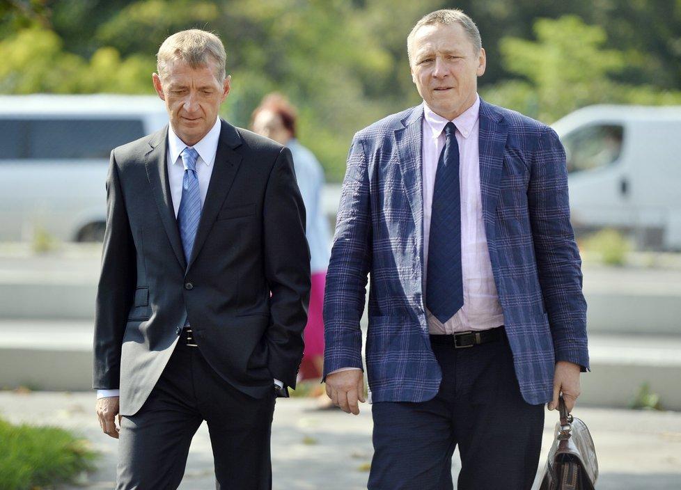 Roman Janoušek se svým právníkem