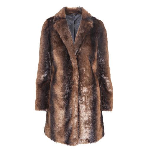 0bd348aedba GALERIE  Zimní trend  Zachumlejte se do kožichů z umělé kůže!