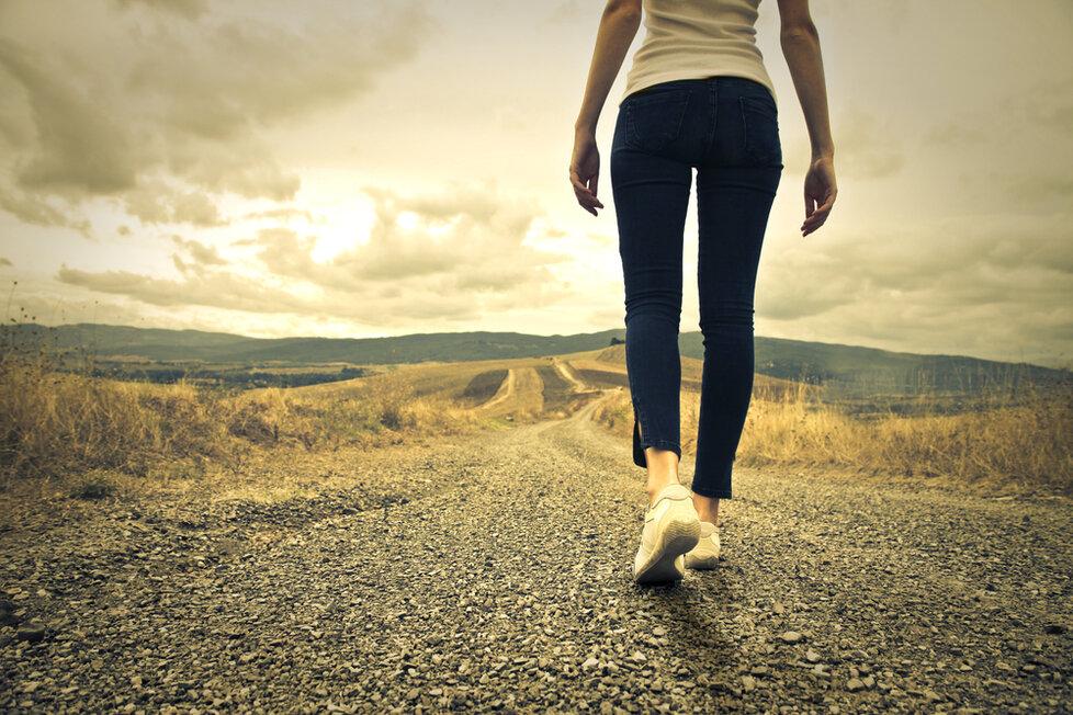 Chůze je skvělá nejen pro zdraví.