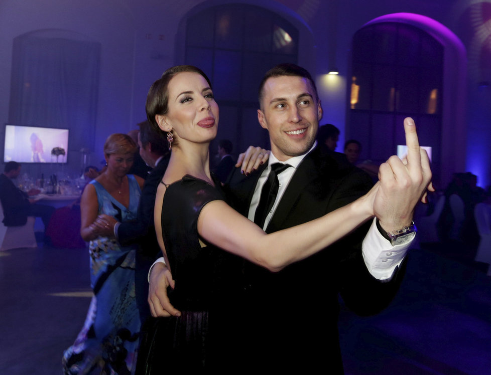 Přítel modelky Terezy Fajksové Luboš si servítky nebral, když tančil sGabrielou Kratochvílovou
