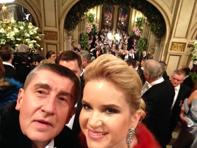 Andrej a Monika Babišovi: Selfie na vídeňském Plesu v Opeře