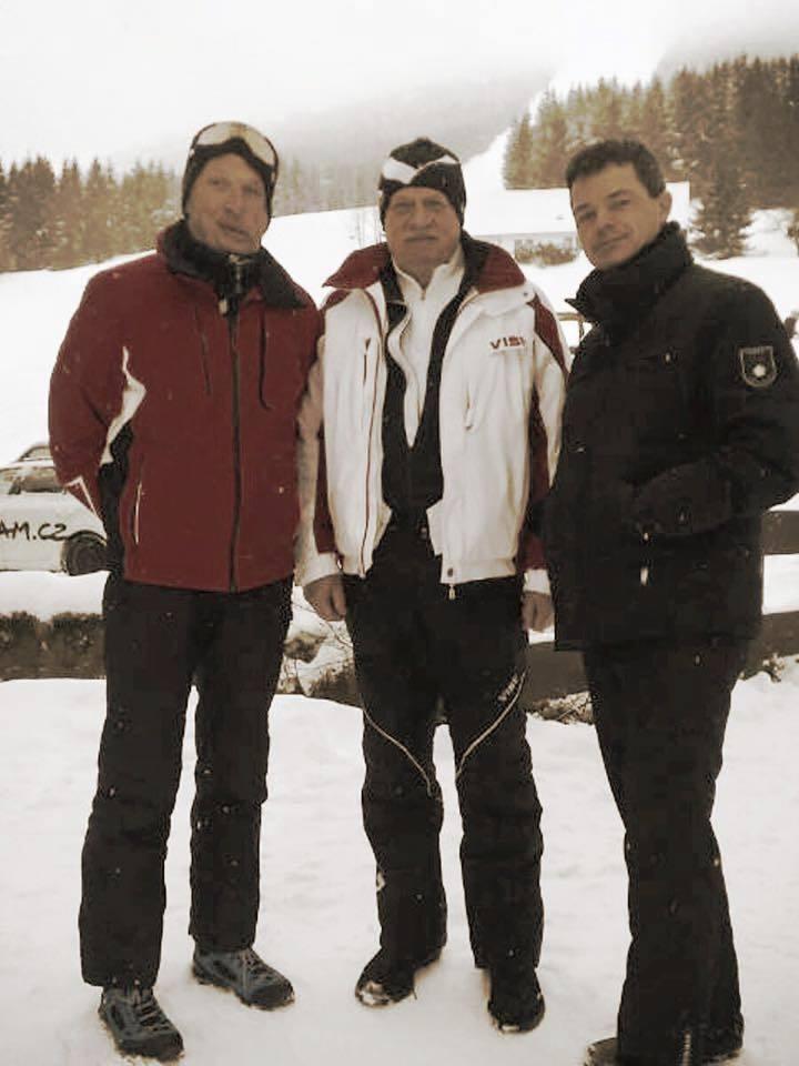 Václav Klaus se syny na lyžích
