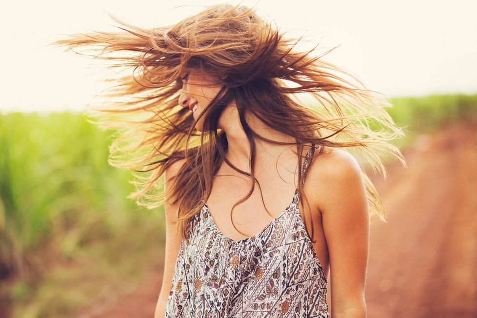 Chcete mít na léto krásné vlasy  Přestaňte dělat těchto 5 chyb ... 8988d1f030b