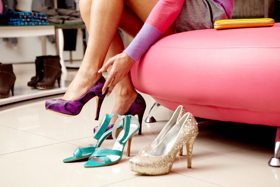 b4260ea26bd Jak si správně vybrat boty  Zahýbejte palcem a projděte se!