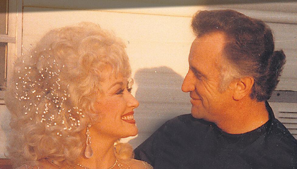 S Dolly Parton při natáčení komedie Od devíti do pěti (Nine to Five).