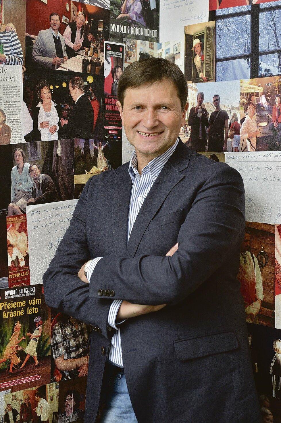 V současné době prožívá Jan Hrušínský nejšťastnější období svého života.