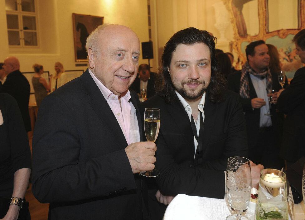 Hudebník Slováček se synem Felixem Slováčkem mladším.