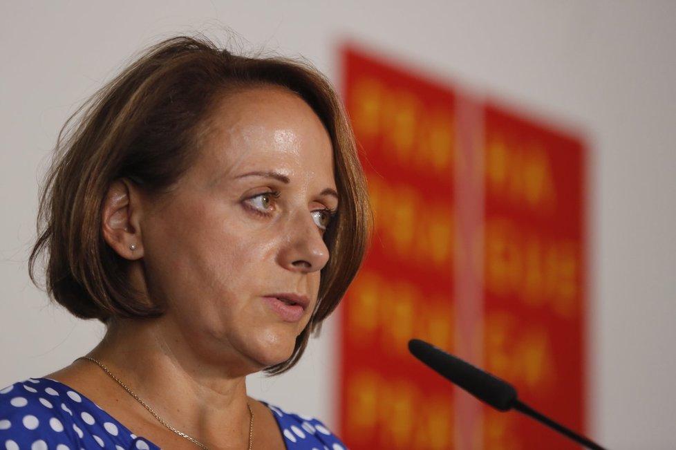 Adrianě Krnáčové vyslovilo pražšké ANO nedůvěru.
