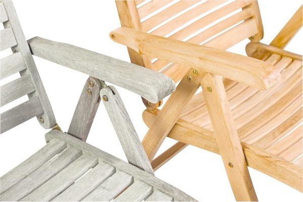 Pokud nebudete nijak pečovat o teakové dřevo, změní se jeho hnědé zbarvení na stříbrno-šedou patinu. Je pak na vás, jaké zbarvení nábytku preferujete.