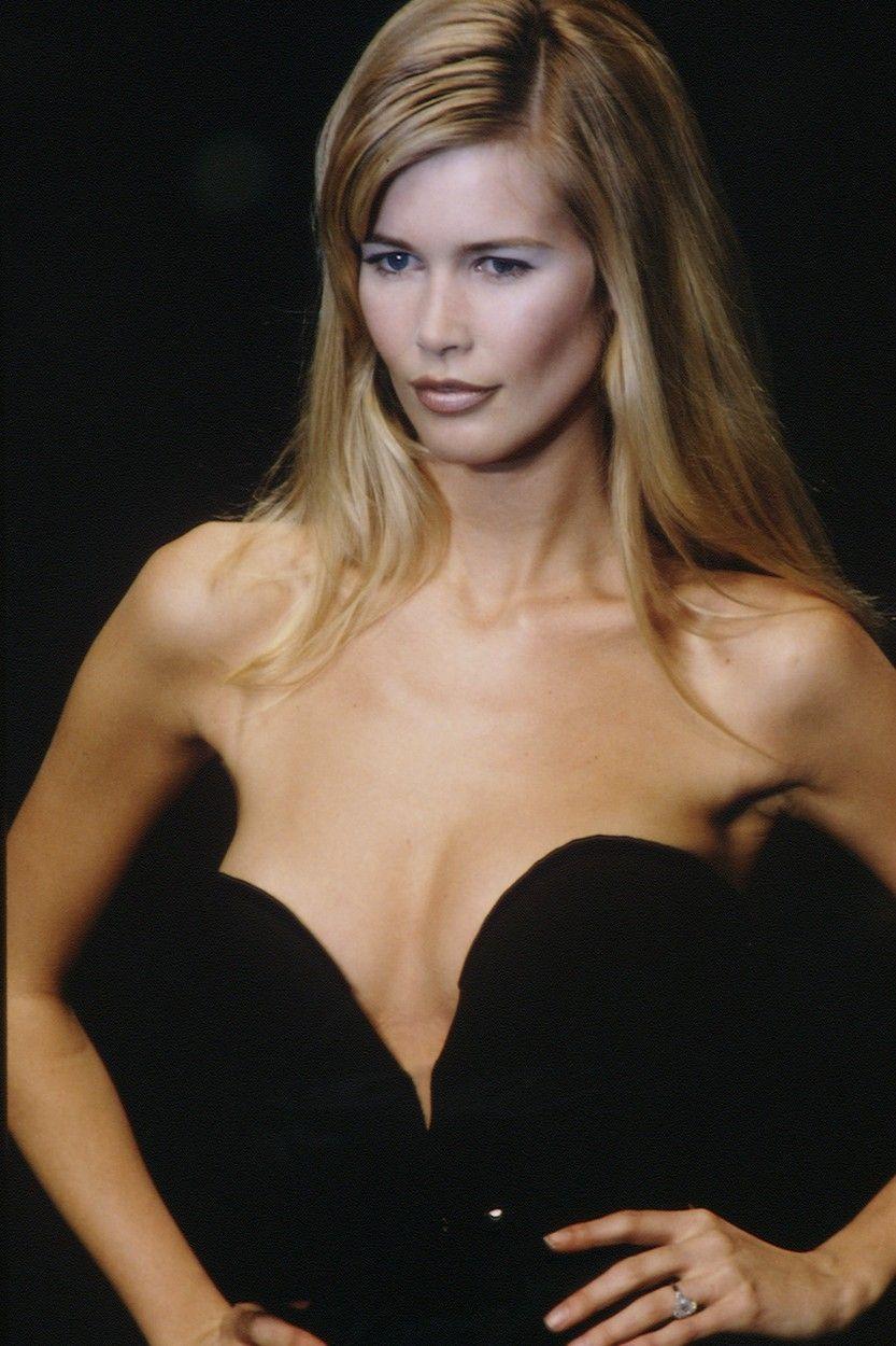 Claudininy blonďaté vlasy a pronikavé modré oči ji činily neodolatelnou, díky čemuž se objevila ve více v pěti stech magazínech