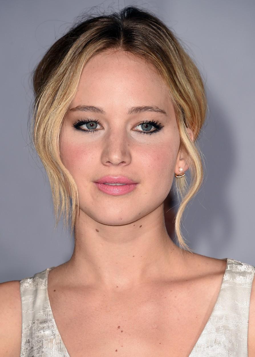 Jennifer Lawrence je soupeřkou Cate Blanchett, také je nominovaná na nejlepší herečku v hlavní roli, a to za film Joy.