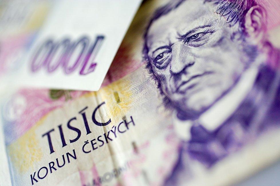 V Česku nyní platí šest druhů bankovek a stejný je i počet mincí. V oběhu je celkem přes 556 miliard korun.