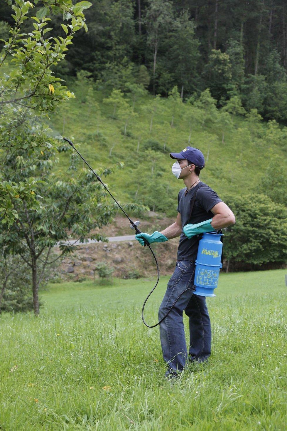 Bez kvalitního postřikovače si aplikaci postřiku nebo třeba hnojiva dokáže představit jen málokterý majitel zahrady.