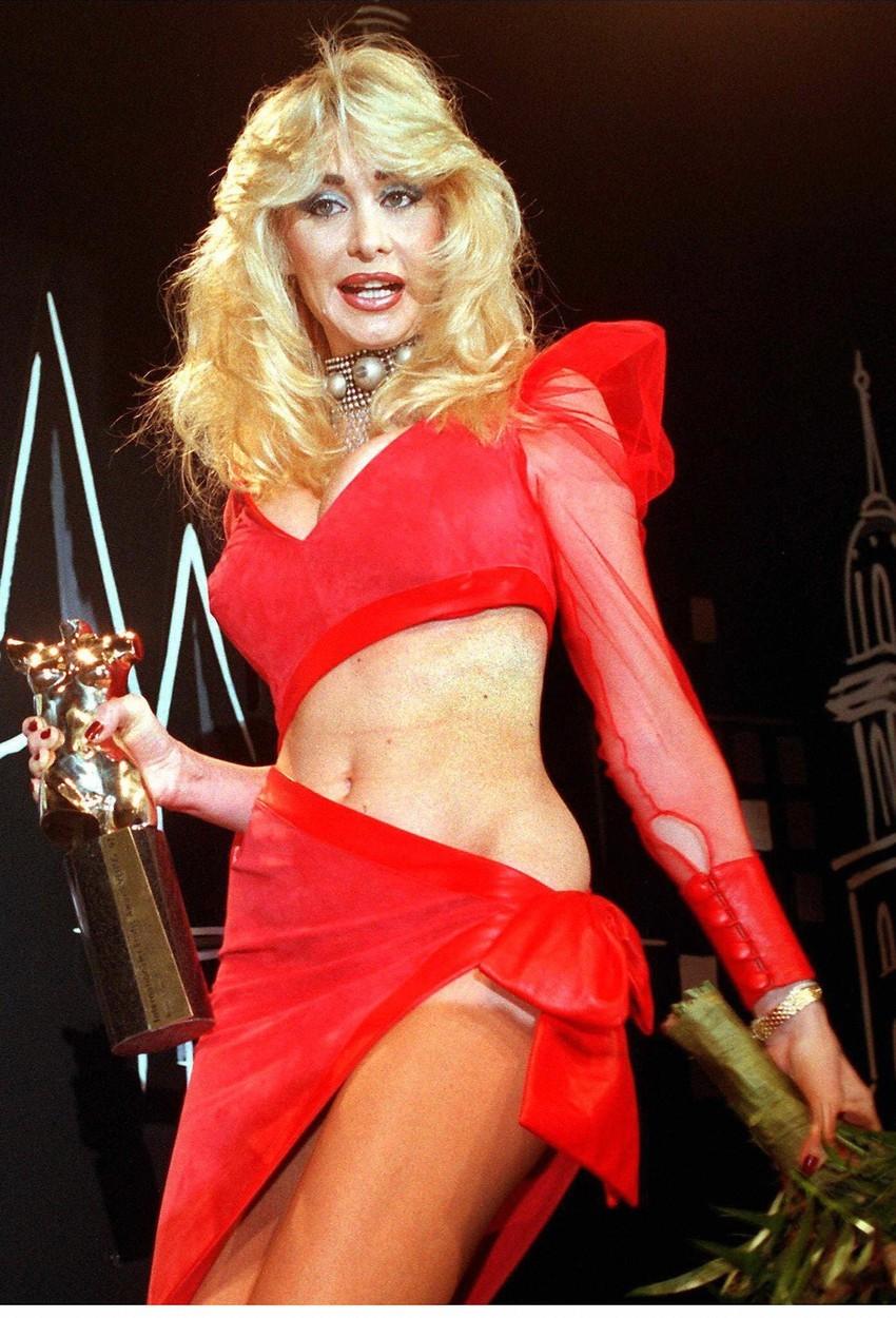 V roce 1997 získala Dolly cenu udílenou německým pornoprůmyslem.