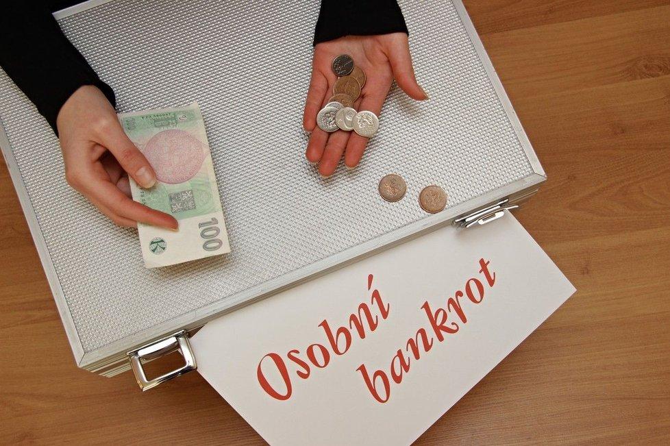 Manželství v dluzích? Pomoct může společné oddlužení