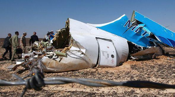 Podle vyšetřovatelů způsobila pád letadla na 90 procent bomba.