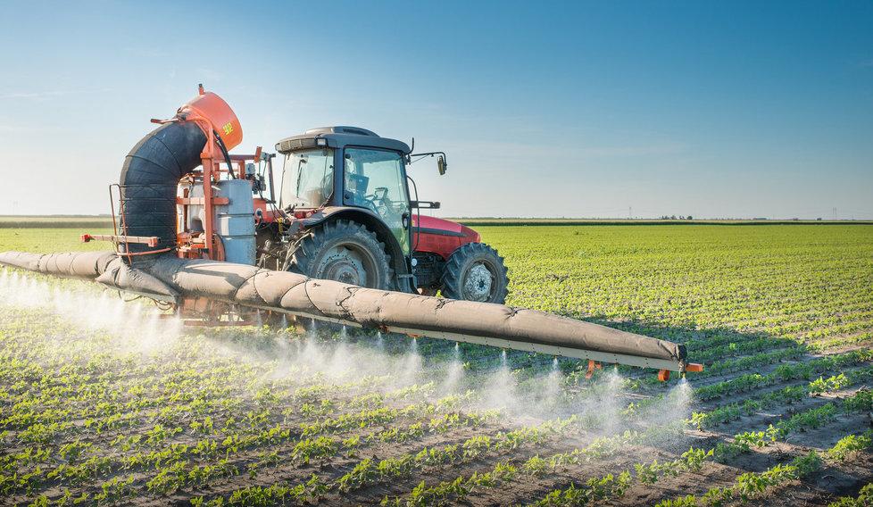 Ministerstvo zemědělství uvažuje, že by zakázalo použití glyfosátu jako prostředku k desinfikaci.