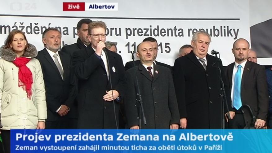 V roce 2015 slavil Miloš Zeman 17. listopad veřejně, na jednom pódiu se sešel i s islamofobem Martinem Konvičkou