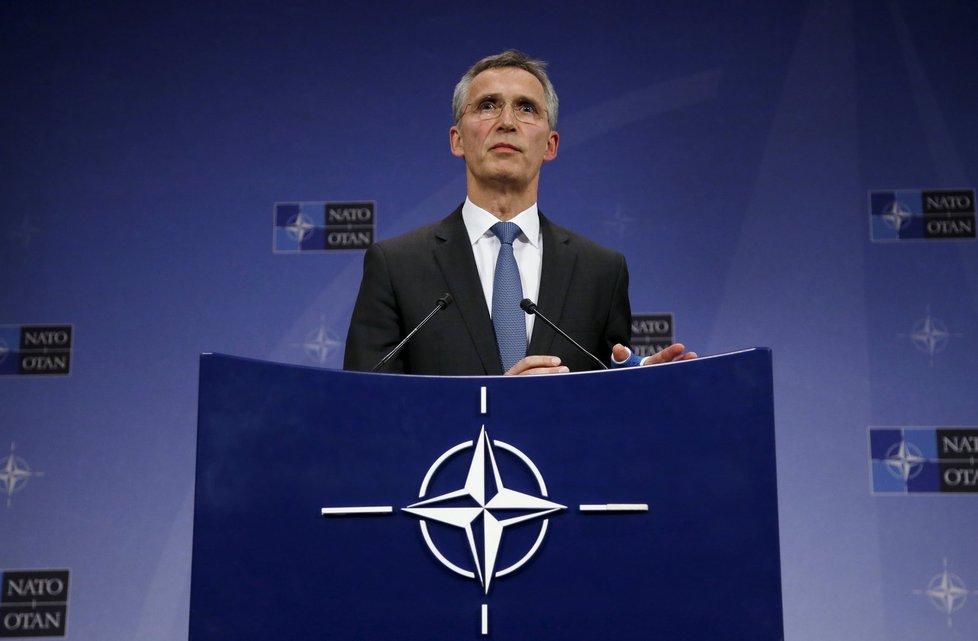 Jens Stoltenberg, tajemník NATO, po mimořádném jednání svolaném Tureckem.
