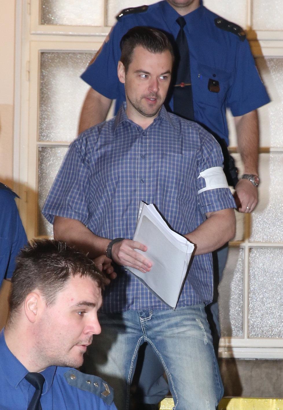 Zemřel uznávaný soudní znalec v oblasti zdravotnictví Jiří Štefan, který měl být trumfem obhajoby v případu Petra Kramného.
