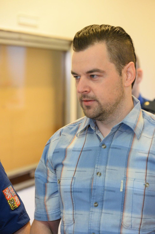 Petr Kramný přišel k soudu ve stejné košili jako ve čtvrtek