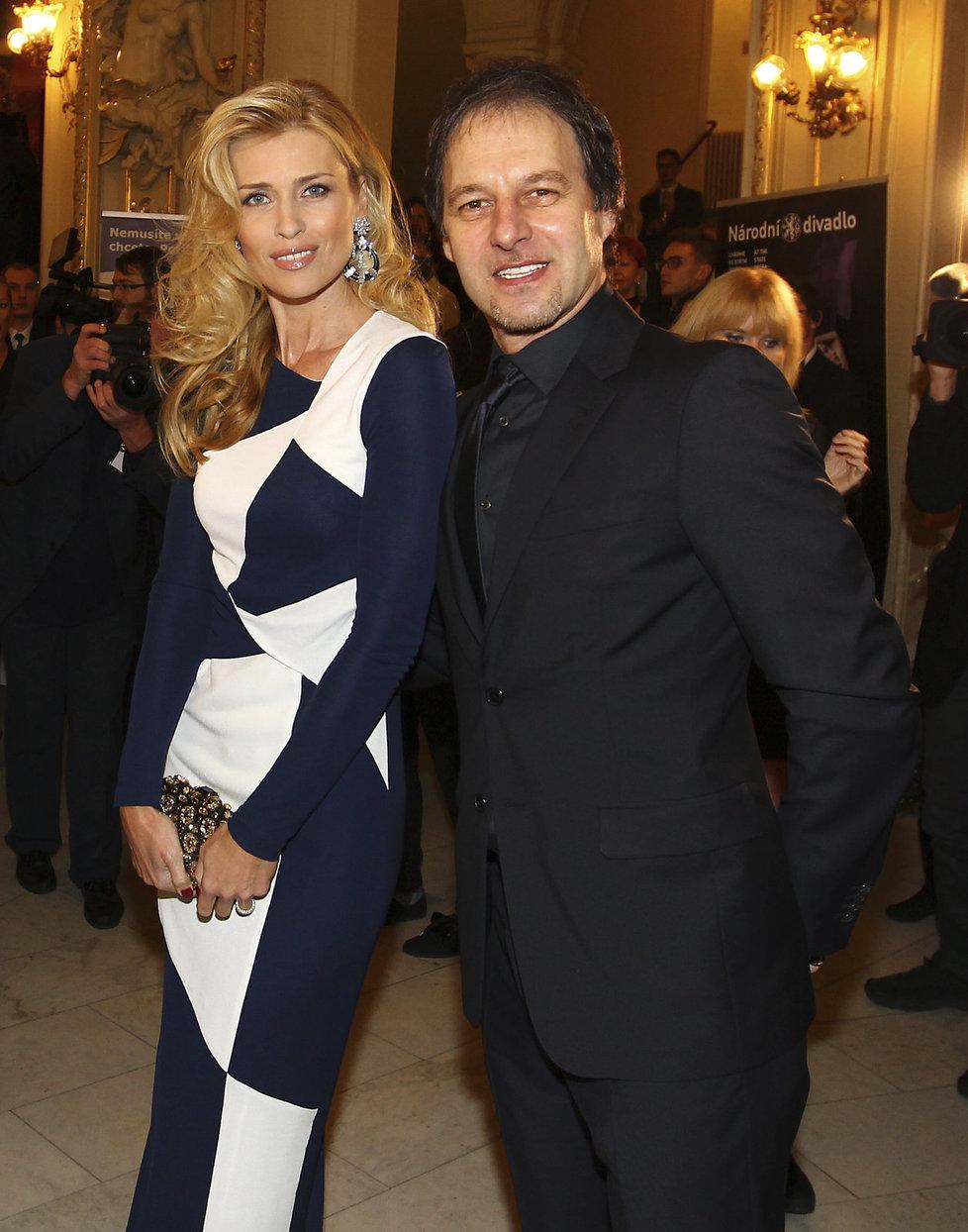 Úspěšná modelka Daniela Peštová (45) a Pavol Habera (53) se zasnoubili už v roce 1999. Společně mají dvě děti, Ellu Joy Annu a Paula Henryho.