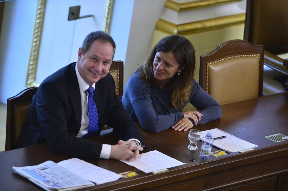 Místopředsedové sněmovny Petr Gazdík (STAN) a Jaroslava Jermanová (ANO)