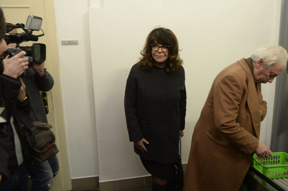 Vnučka novináře Ferdinanda Peroutky Terezie Kaslová u soudu