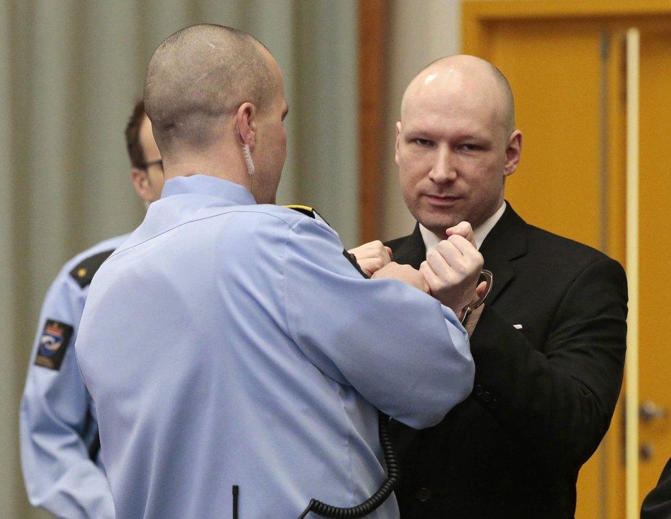 Norský soud vyhověl části stížnosti Anderse Breivika na stát kvůli porušení jeho základních práv.