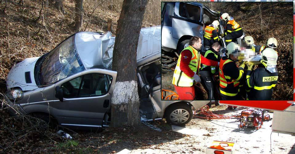 Opilý otec při autonehodě zabil manželku i syna.