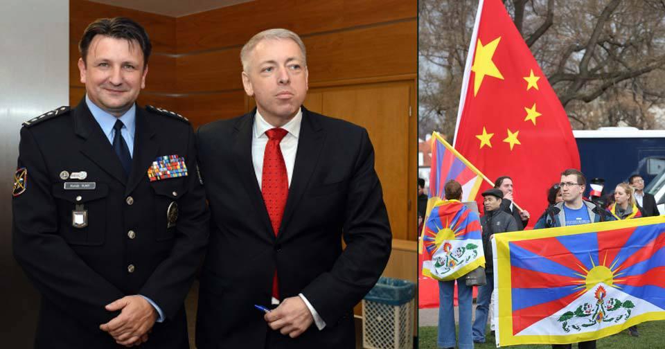 Ministr vnitra Chovanec dal ultimátum policejnímu prezidentovi Tuhému v příapdě zásahu kvůli tibetské vlajce na FAMU