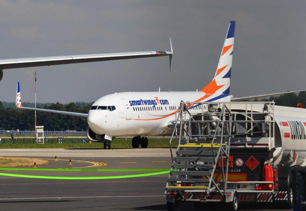 Letadlo Smartwings na letišti v Ostravě.