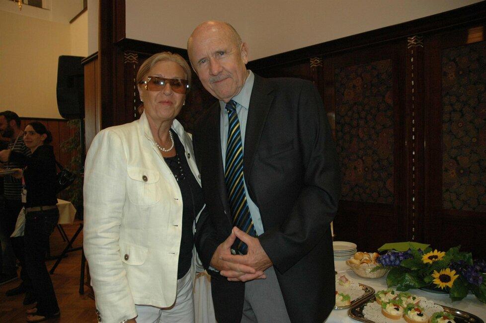 Petr Nárožný s manželkou Ivankou.