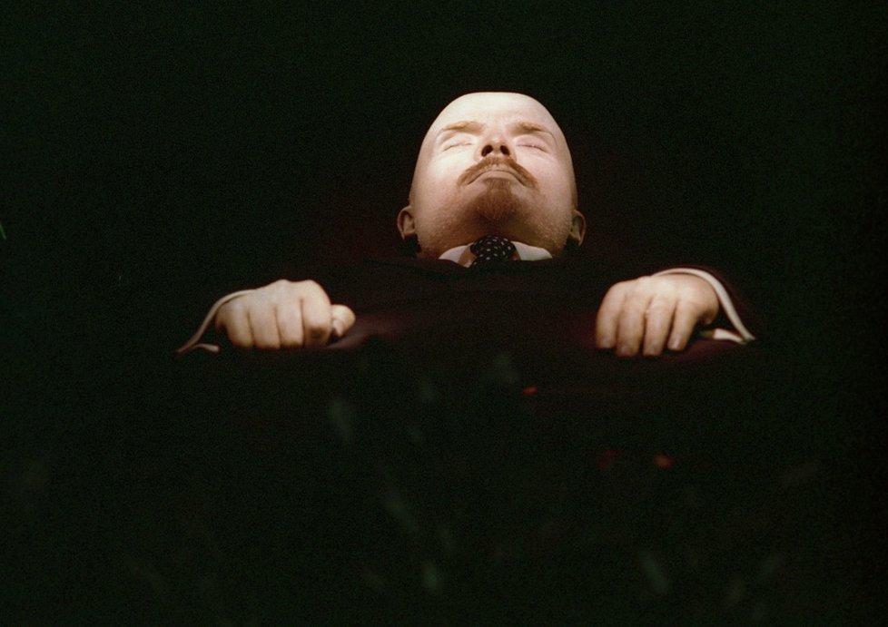Letos vyjde Rusy péče o Leninovo tělo na pět milionů korun.