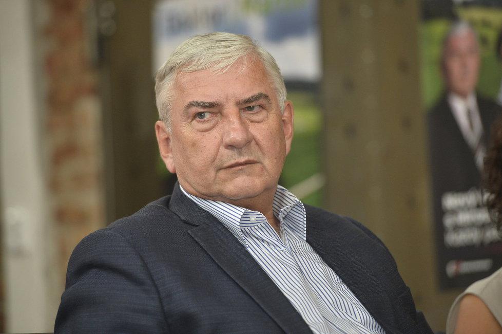 Miroslav Donutil předmětem kšeftování