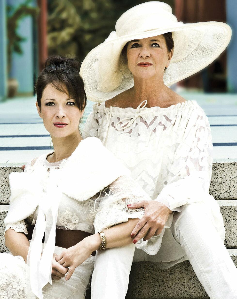 Tereza Kostková s maminkou Carmen Mayerovou