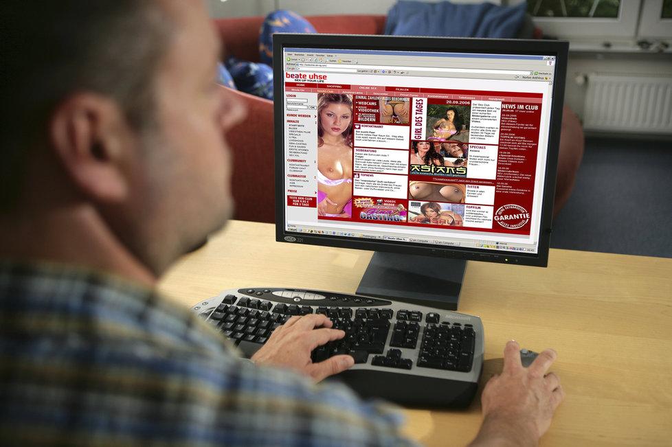 """Zachtělo se vám internetové erotiky? Česká spořitelna vás """"zkásne"""" dvackou (ilustrační foto)."""